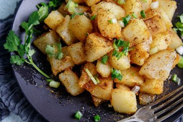 Sautéed potatoes with a spice mix. Potatoes have been our staple food for years during childhood time because they are easy to keep and more important extremely yummy when well cooked. This crispy sautéed potato is always on our dinner table around the year. Besides, it is a perfect side…
