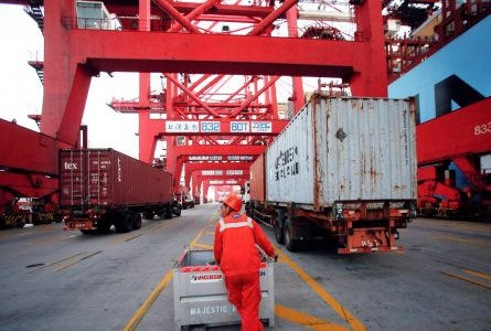 China pushes reforms in free trade zones as scepticism grows among foreign investors