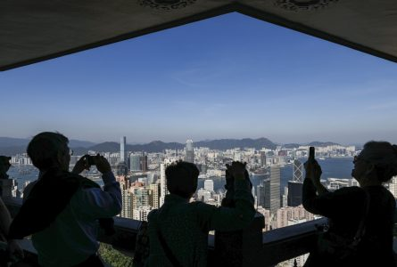 Shenzhen tycoon quells talk of financial problems, says he'll pay for early possession of house on The Peak