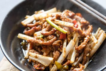 Szechuan beef shreds or Szechuan style beef stir fry is a very popular and common Sichuan style stir fries which creates extremely delicious and hot flavors. There are actually two famous beef dishes in Sichuan cuisine. One is this savory tender beef stir fry and the other one is dry…