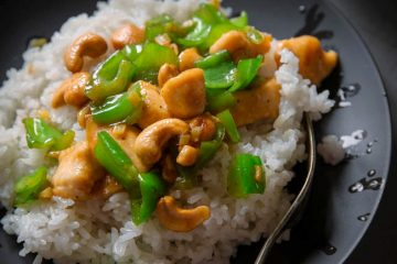 Delicious Chinese cashew chicken with very common and humble ingredients.  Easy preparation, perfect for quick meals.   I am a big fan of all types of chicken cubes stir-frying dishes. They are so simple but delicious. Comparing with the complex flavor of kung pao chicken, this one is much simpler but…