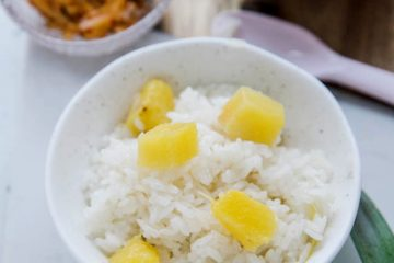 Sweet and soft pineapple rice in one pot. This staple rice has a strong aromatic of pineapple with a faint flavor of sweet and sour. It is pineapple season now. I crave for sweet and sour pineapples and the cooked ones are even better for my teeth. This is not…