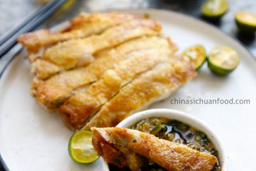 Learn how to make crispy pan-fried chicken with a scallion ginger dipping sauce plus a lovely hot and sour sauce. Chicken, fish and seafood have become the most popular meat in summer days in my kitchen. I just give up my favorite pork belly in…