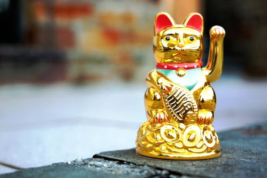 Interesting Facts about Maneki Neko, The Lucky Beckoning Cat
