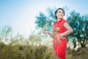 The Chinese Qipao, or often called Cheongsam in the West, ls one of the most important fashion items and symbols of modern China. However, the origin and history of Qipao are shrouded in mystery, and there are many misconceptions and myths surrounding the Cheongsam. Here, we will discuss all the ins and outs of the Chinese Qipao from its history, the transformation of its design, and facts you may want to know.